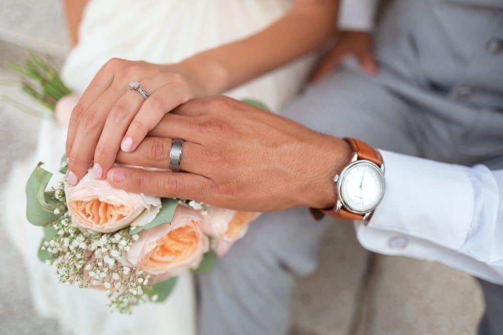online dating couple gets married